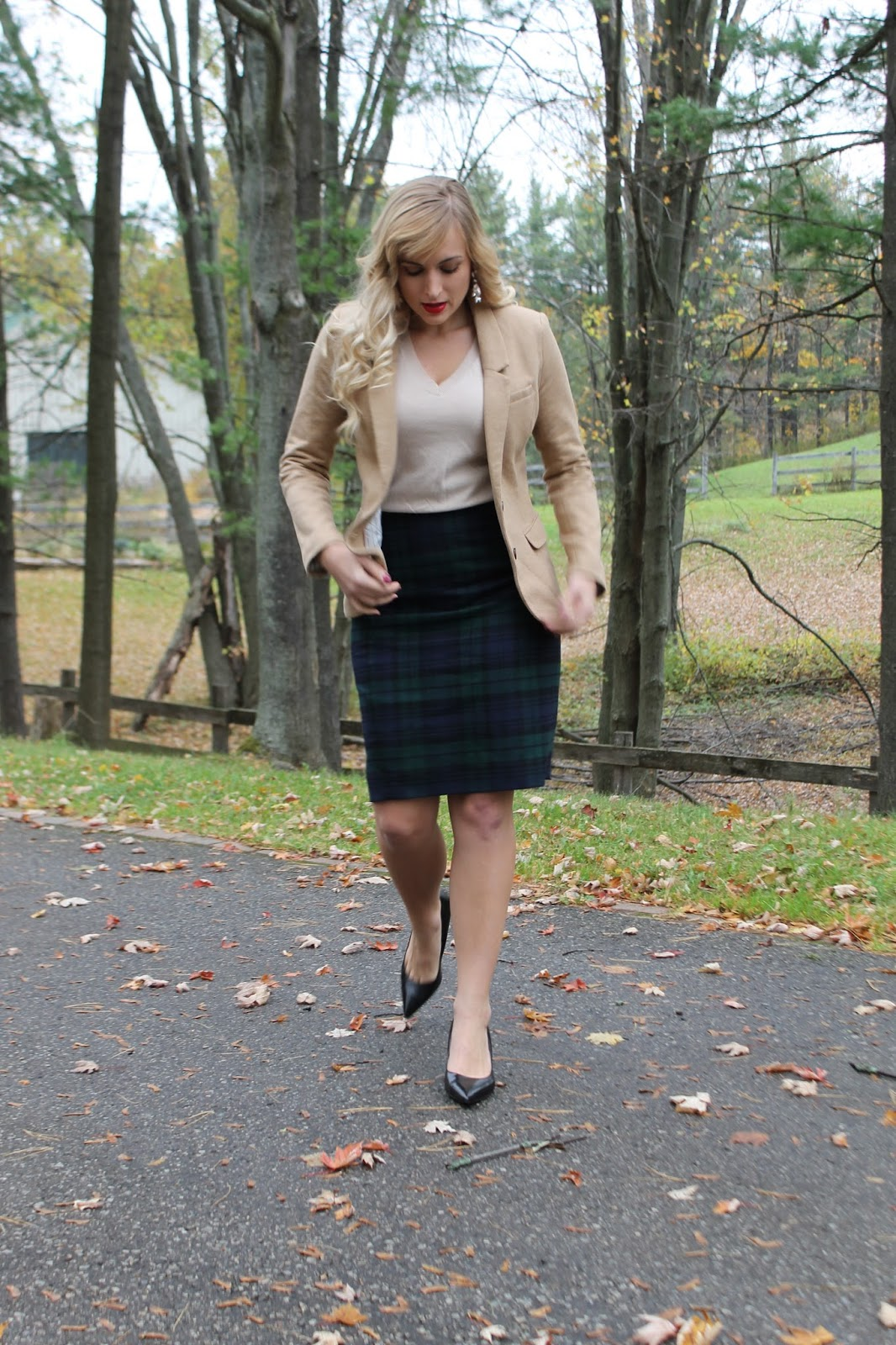 how-to-style-a-plaid-skirt