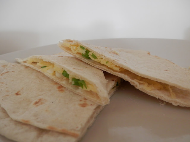 Quesadilla with Violife cheese. Vegan naan bread. What do Vegans Eat?  Easy Vegan Meal and Snack Ideas. secondhandsusie.blogspot.co.uk