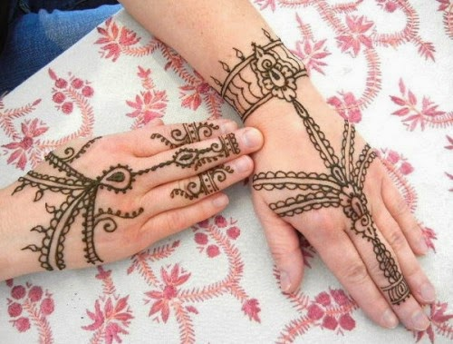 Mehndi Designs  Simple And Easy