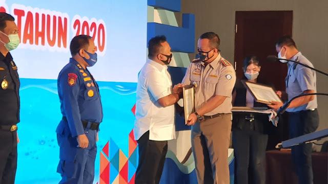 Ditreskrimsus Polda Jambi Terima Penghargaan Dari Menteri Kelautan Dan Perikanan