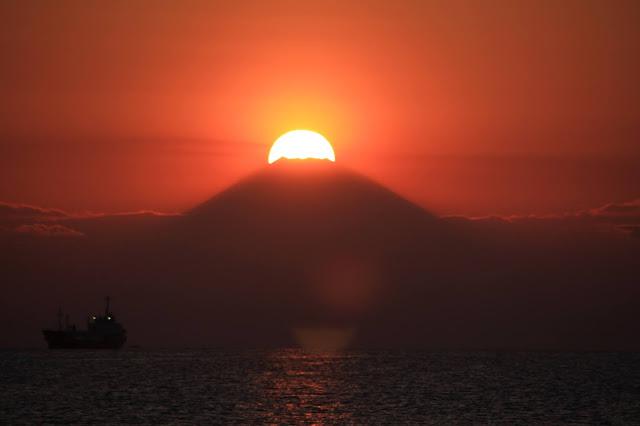 Sunset di Gunung Fuji