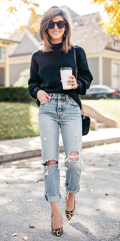 Need Style Inspiration for Fall Season. See these 31 Most Popular Fall Outfits to Truly Feel Fantastic. Fall Style via higiggle.com | black jumper | #fall #falloutfits #style #jumper
