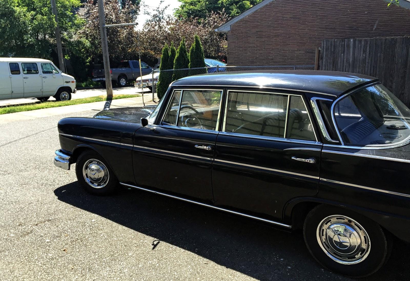 Seattle 39 s classics 1963 mercedes benz w111 220 for 1963 mercedes benz