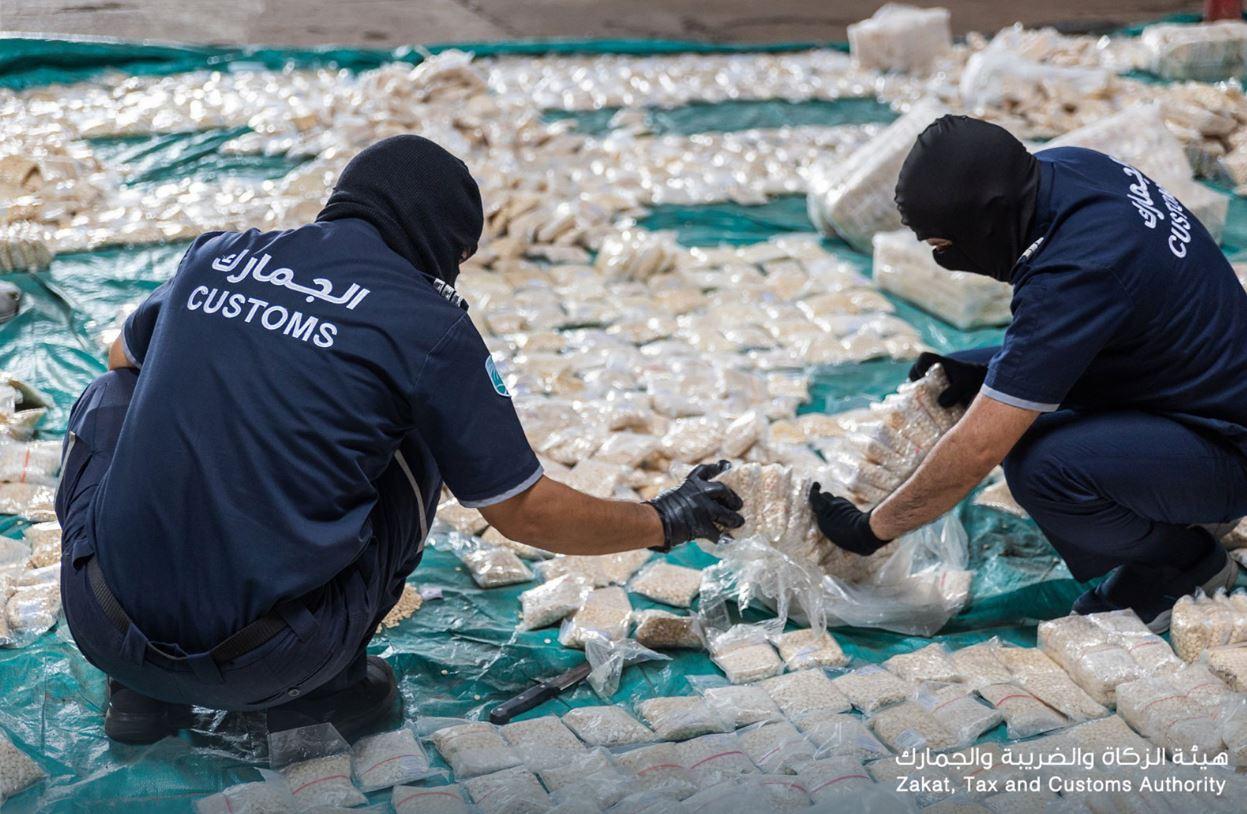 السعودية Saudi تحبط تهريب 8.7 ملايين حبة مخدرة داخل أكياس كاكاو
