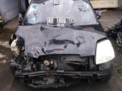 mobil yang dikemudikan bocah 13 tahun