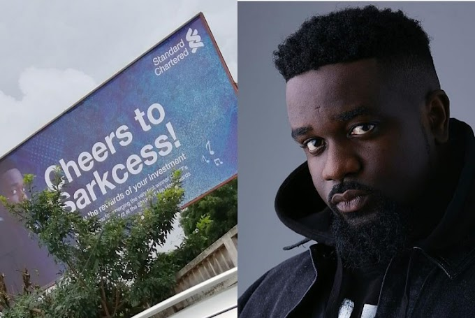 Standard Chartered Bank Celebrates Sarkodie's Achievements With A Billboard  (Photos)