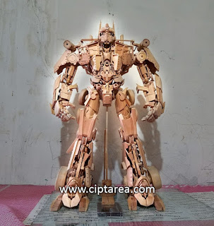 Wooden miniature Optimus kayu
