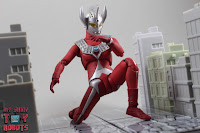 S.H. Figuarts Ultraman Taro 22