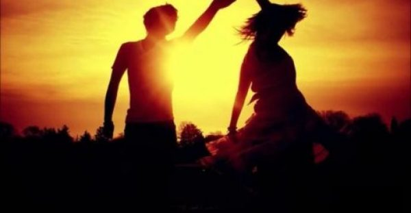 Όταν αγαπάς γίνεσαι δυνατός, παύεις να φοβάσαι