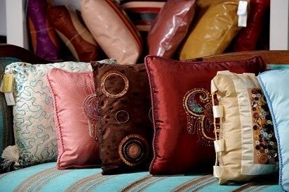 Desain Sarung Bantal Sofa Cantik 2016