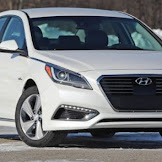 2017 Hyundai Sonata Plug-In Hybrid : Electrifying their own families sedan.