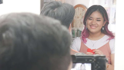 Bea Serendy Garap Videoklip Lagu Romantis Karya AM. Kuncoro 'Sampai Matahari Berhenti Bersinar'