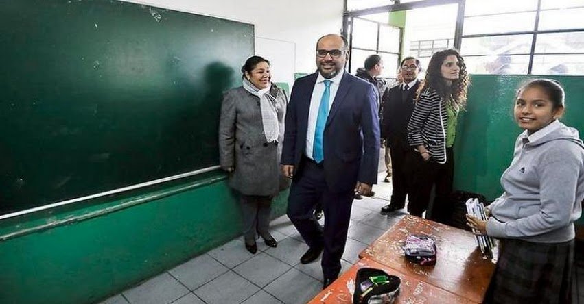 Instan a Ministro de Educación a no promover negacionismo