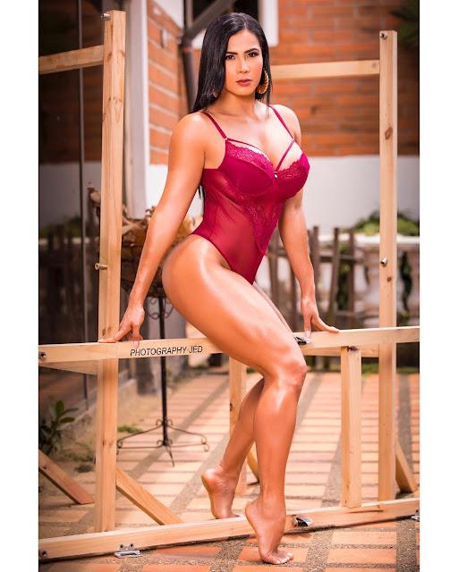 Luz Elena Echeverria molina Hot & Sexy pics