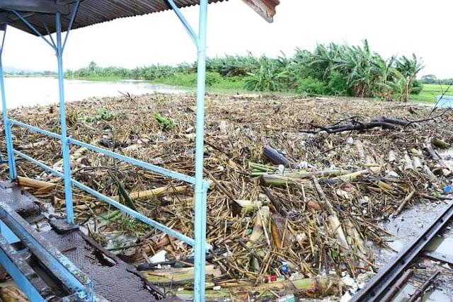 Waspada Tumpukan Sampah Bendungan Wilalung, Plt. Bupati Kudus Minta BBWS Berkoordinasi