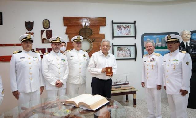 Anuncia AMLO unión de Marina Mercante y Marina Armada de México