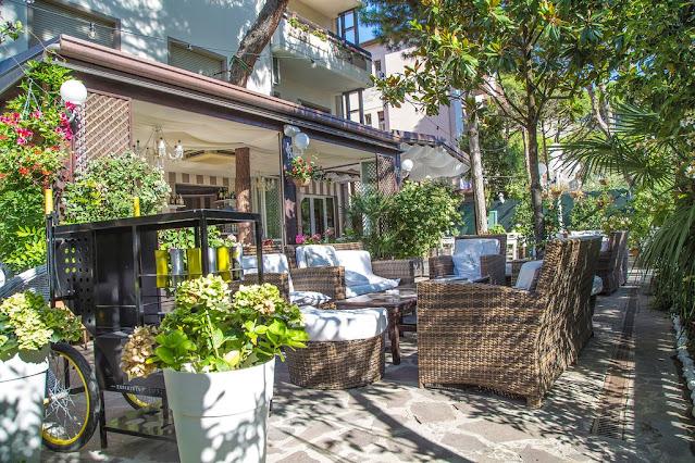 hotel_helvetia_garden