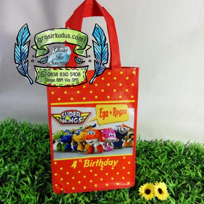 tas ulang tahun super wings