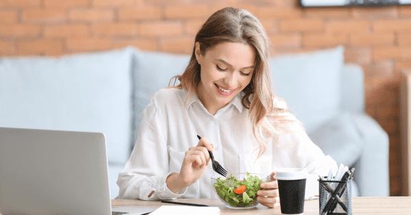 Comer despacio es beneficioso para nuestra salud