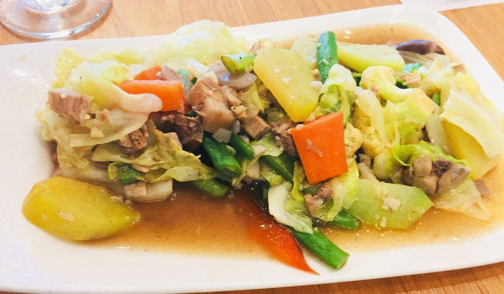 Kuya J restaurant chopsuey