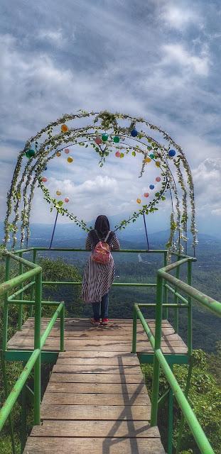 Goa Rong Keindahan Alam Nan Eksotik
