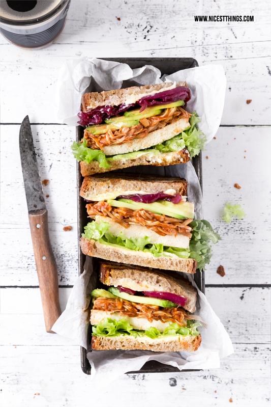 Jackfruit Sandwiches mit veganem Pulled Pork und Balsamico Zwiebeln