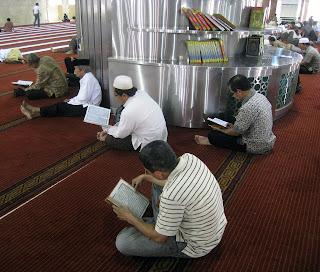 Doa Pembuka Pintu Rezeki (Bahasa Arab, Latin, dan Terjemahannya)