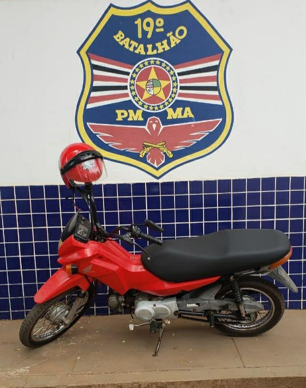 Moto roubada em Lago da Pedra é recuperada pela PM em Pedreiras.