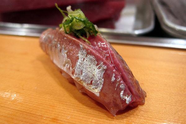 101 เมนูซูชิ ซูชิหน้าปลาอาจิ (Aji)