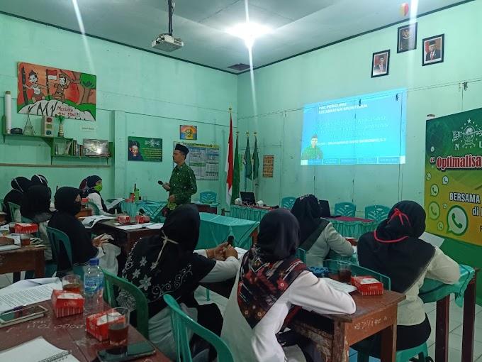 "Workshop "" Optimalisasi Whatsapp untuk layanan PPDB Online """