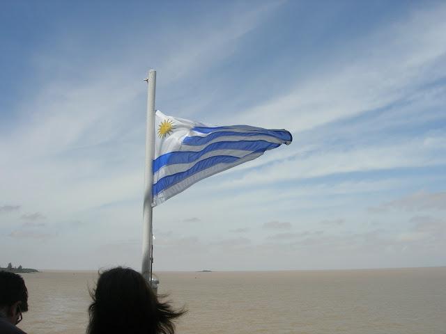 Travessia de Buquet Bus pelo Rio da Prata - Buenos Aires - Colonia del Sacramento - Argentina - Uruguai