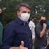 Bolsonaro rebate STF e participa de aglomeração com faixas contra Congresso e Judiciário