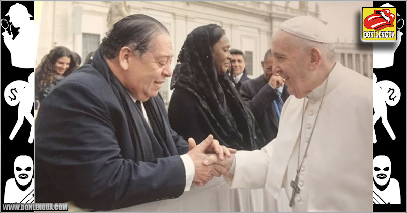 Hermann Escarrá con sanción y todo se fue a saludar al Papa comunista al Vaticano