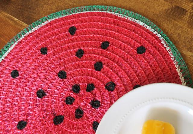 http://www.thedeanslistblog.com/watermelon-placemats/