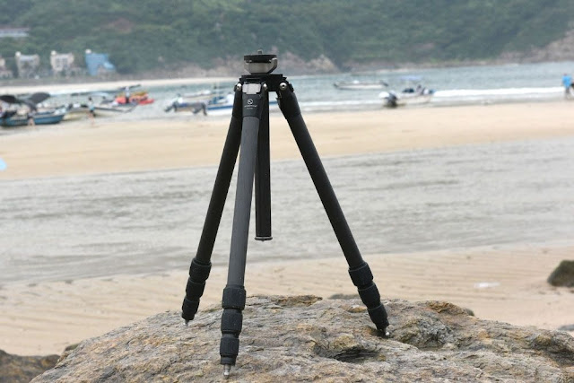 Sunwayfoto T2C40C Carbon Fiber Classic Tripod at the beach
