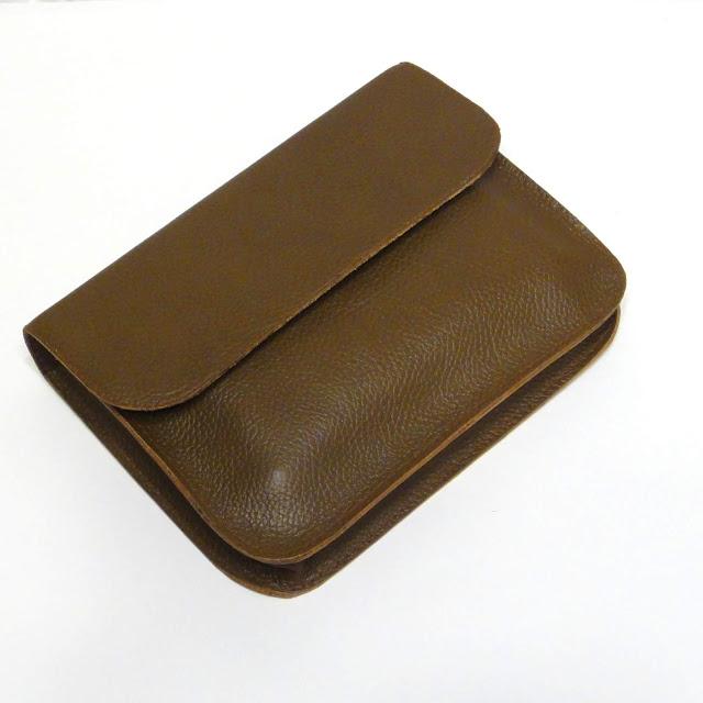 Деловая папка А5 в подарок шефу: натуральная кожа, магнитные кнопки. Ручная работа, доставка курьер или почта
