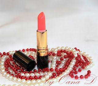 Revlon. 825 Lovers Coral