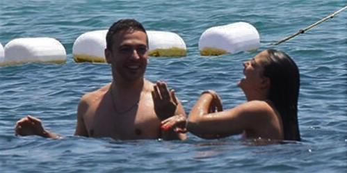 Oğuzhan Koç, Demet Özdemir's boyfriend, accused of plagiarizing a Maluma song
