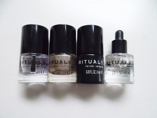 http://www.verodoesthis.be/2016/12/julie-friday-nails-115-rituals-nail-set.html