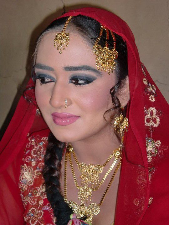 Pashto Female Actress Singer Model Pictures Gallery -6070