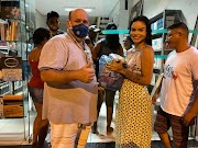 Prefeitura entrega cestas de alimentos para os artistas de Trizidela do Vale