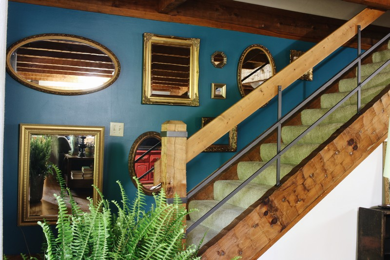 log-cabin-lodge-antique-gold-mirror-wall-staircase