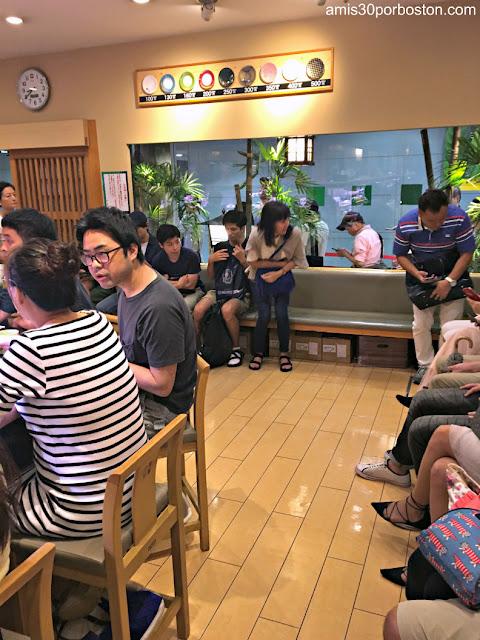 Colas en Katsu Midori, Tokio