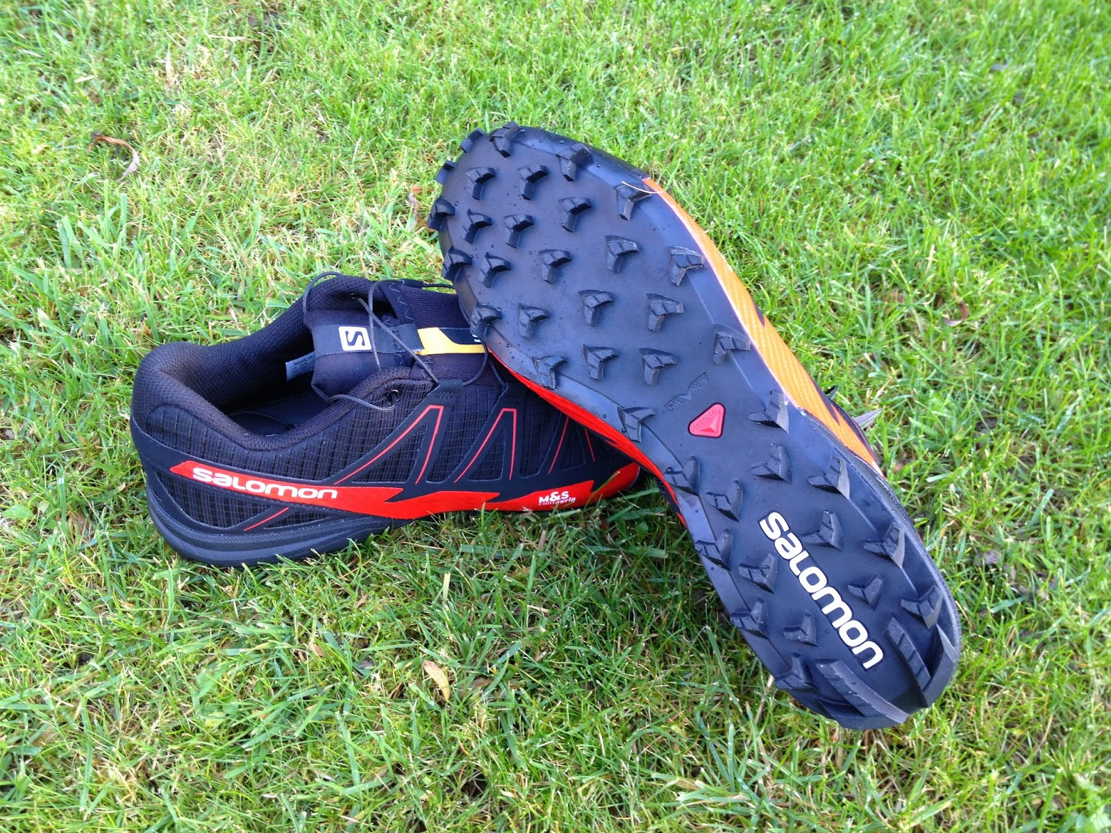 new product 85c67 363fd Over the past few weeks I have had the pleasure of running in the Salomon S-Lab  Fellcross 2, and I have had some serious fun in them.