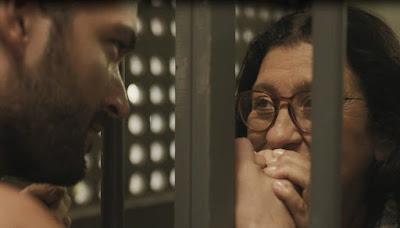 Lurdes agradece ao filho — Foto: TV Globo