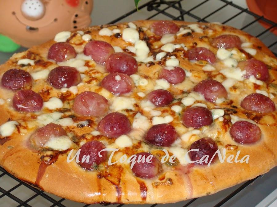 pan de uva y roquefort