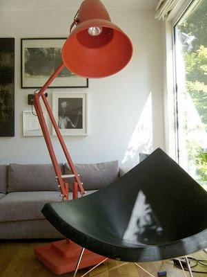Decoración de espacio con lampara gigante