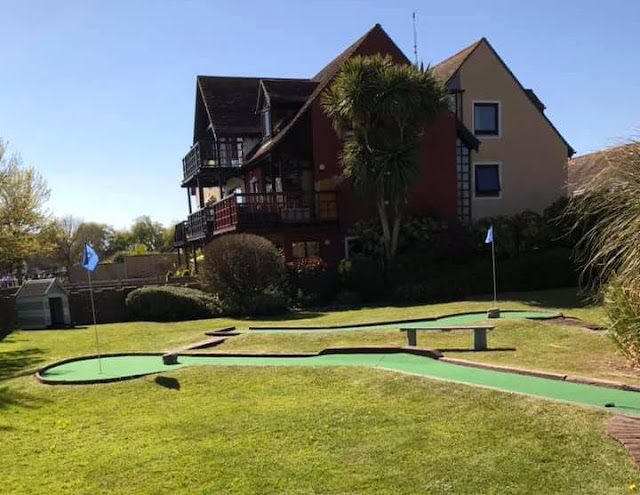 Mini Golf at The Boathouse in Christchurch. Photo by Matt Dodd, April 2021