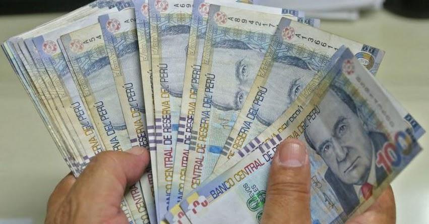AFP: Afiliados podrían retirar un máximo de S/ 12.900 de los fondos de pensiones, según norma aprobado por el Congreso