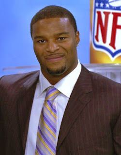 Ositadimma Osi Umenyiora is a Nigerian British born retired NFL American football defensive end